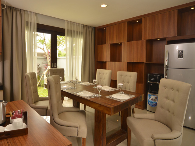 Private Kitchen & Dining Room